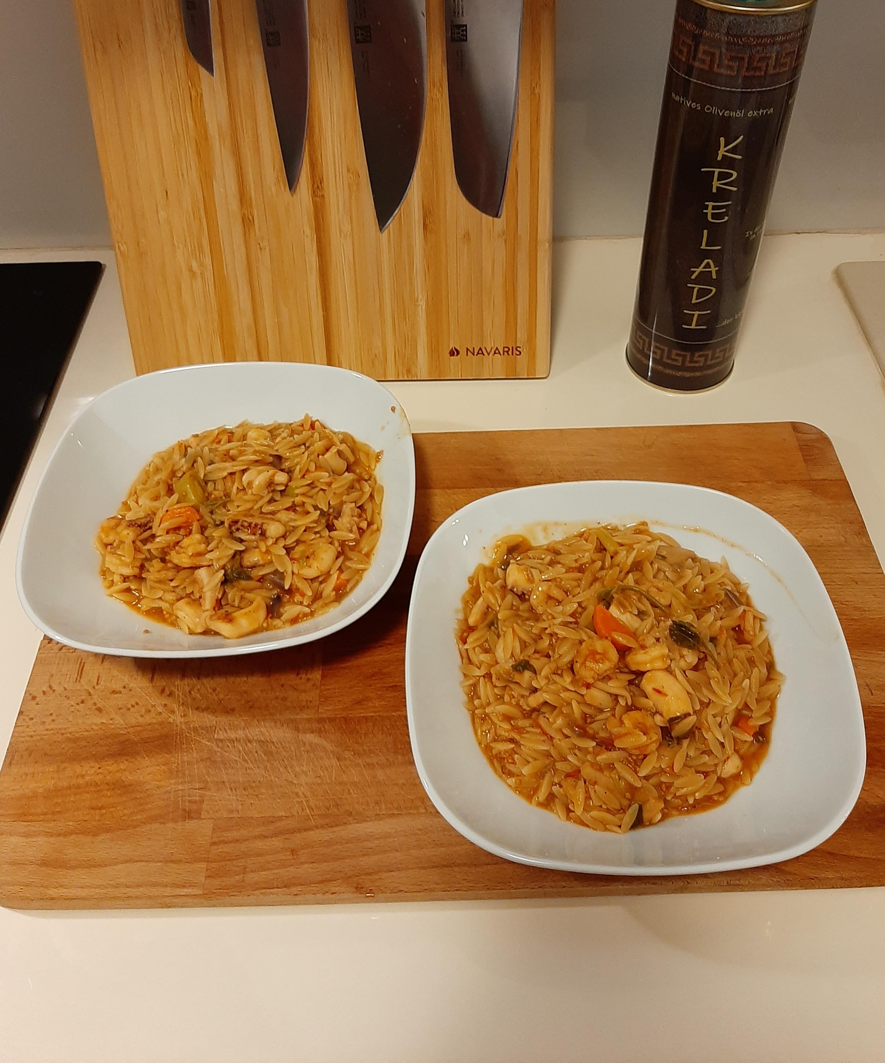 Seafood Pasta mit Shrimps und Kalamari